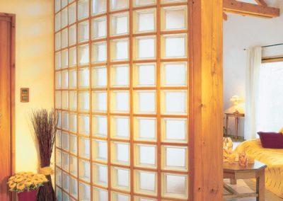 Ściana z luksferów La Rochere Glasspol - realizacje, pustaki szklane